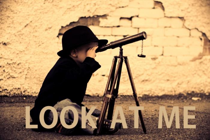 looking-glass-721_Fotor